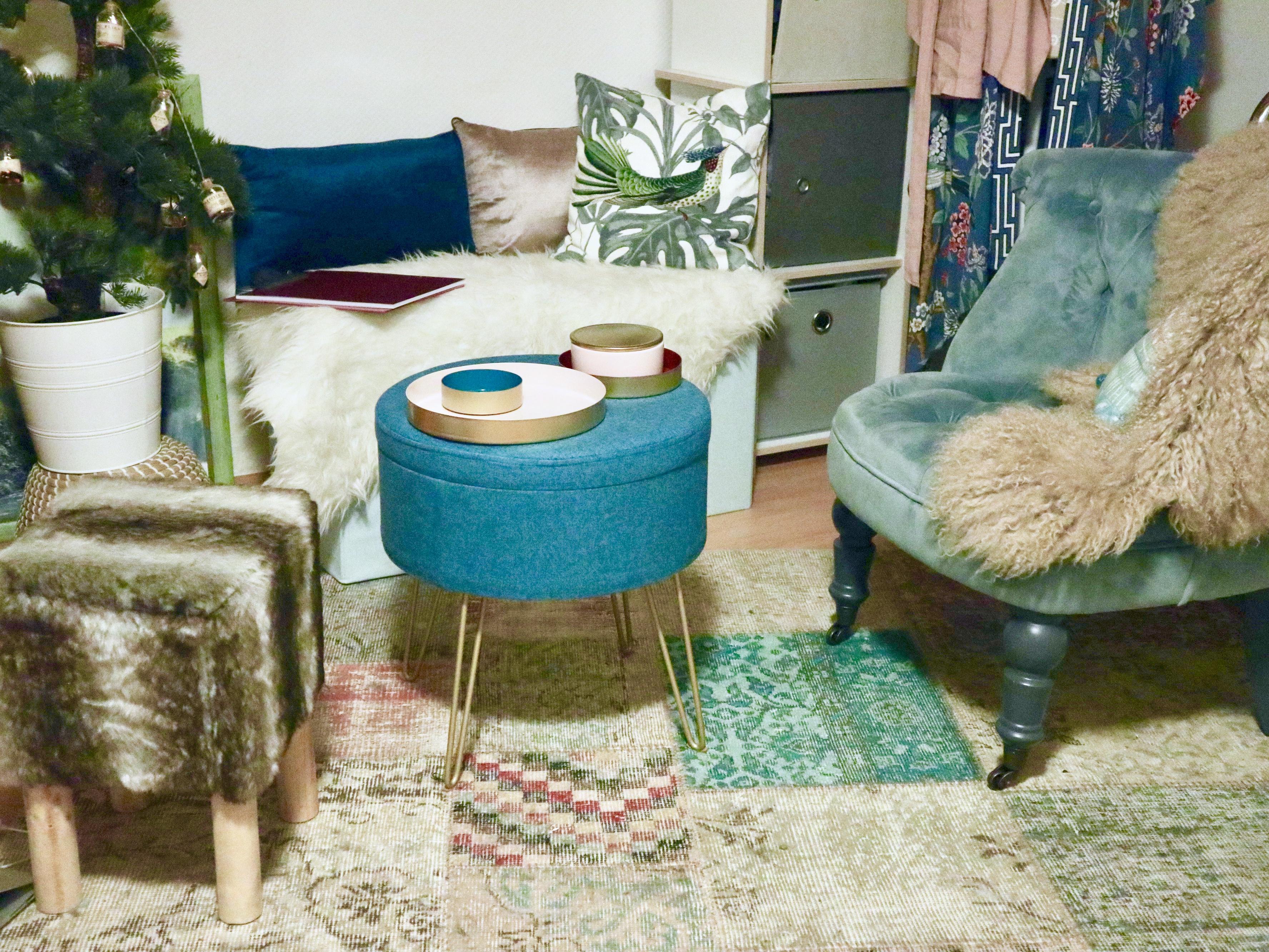Interieur Trend- 40 er Jahre Look: Individuelle Einzelstücke kombiniert mit Design von Eva Brenner (für Aldi)  gefallen auch unseren Shelties …