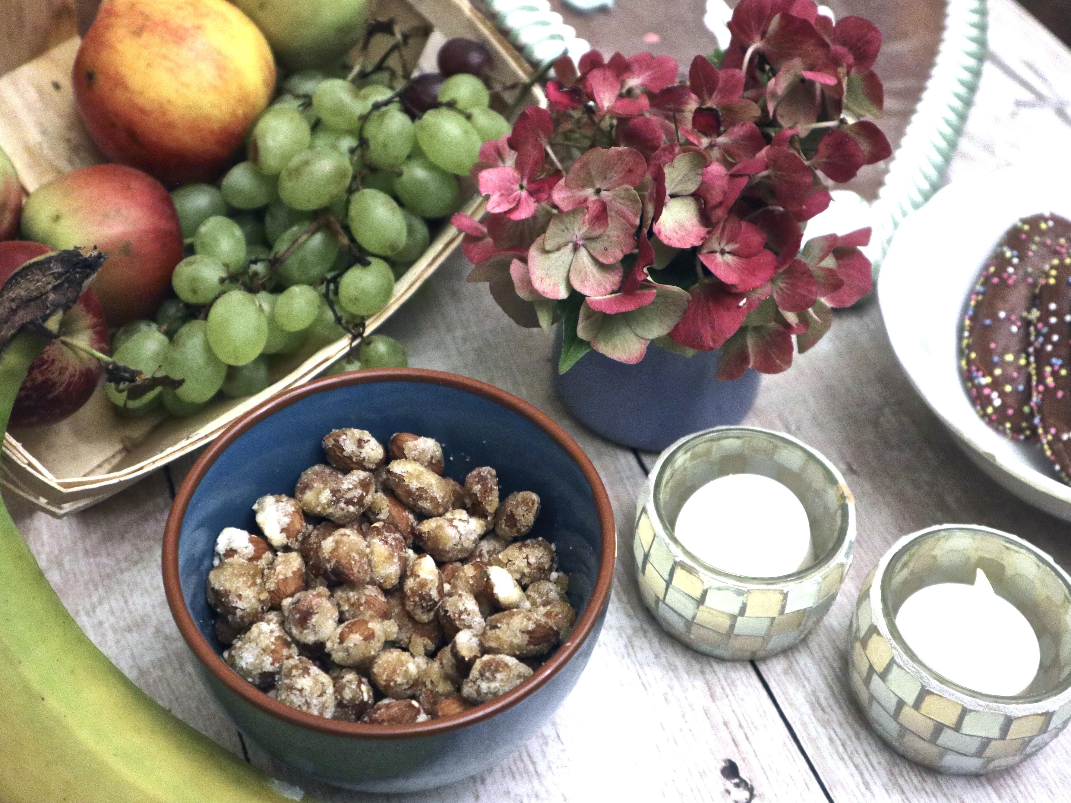 Rezept / Persönliches: Gebrannte Mandeln – ein leckerer Snack im Herbst/ Nachbarschaftsbeziehungen …